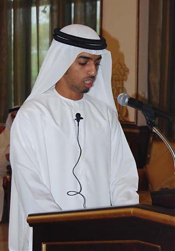اضغط على الصورة لعرض أكبر  الاســـم:أحمد بن سعود رئيس نادي الرمس يلقي كلمته.jpg المشاهدات:295 الحجـــم:42.5 كيلوبايت الرقم:462