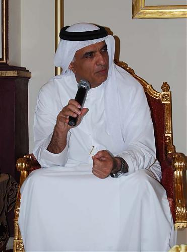 اضغط على الصورة لعرض أكبر  الاســـم:سعود القاسمي خلال حديثه لإدارة نادي الرمس.jpg المشاهدات:331 الحجـــم:59.7 كيلوبايت الرقم:466