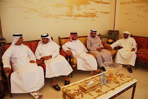 اضغط على الصورة لعرض أكبر  الاســـم:سعود القاسمي يلتقي إدارة نادي الرمس  07.jpg المشاهدات:209 الحجـــم:88.8 كيلوبايت الرقم:475