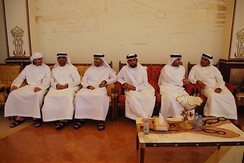 اضغط على الصورة لعرض أكبر  الاســـم:سعود القاسمي يلتقي إدارة نادي الرمس 08.jpg المشاهدات:315 الحجـــم:78.7 كيلوبايت الرقم:476