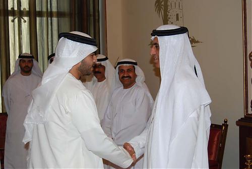اضغط على الصورة لعرض أكبر  الاســـم:سعود القاسمي يلتقي إدارة نادي الرمس 09.jpg المشاهدات:334 الحجـــم:62.6 كيلوبايت الرقم:477
