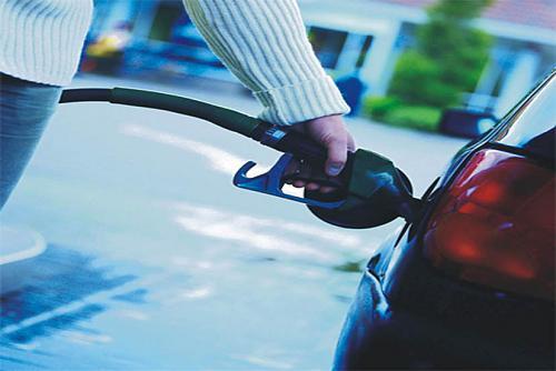 اضغط على الصورة لعرض أكبر  الاســـم:تعبئة وقود.jpg المشاهدات:40661 الحجـــم:74.1 كيلوبايت الرقم:4268