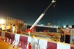 الاســـم:انهيار جسر في دبي.jpg المشاهدات: 520 الحجـــم:11.5 كيلوبايت